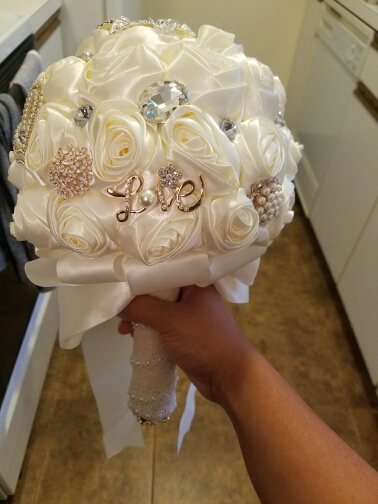 In stock Stunning Wedding flowers White Bridesmaid Bridal Bouquets artificial Rose Wedding Bouquet FW139